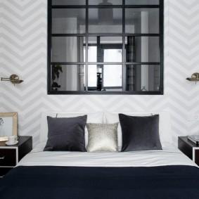 Фальш-окна над кроватью в спальне