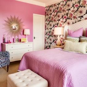 Розовый цвет в интерьере женской спальни