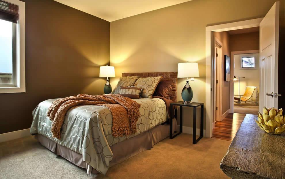 Обои разных оттенков в интерьере спальни