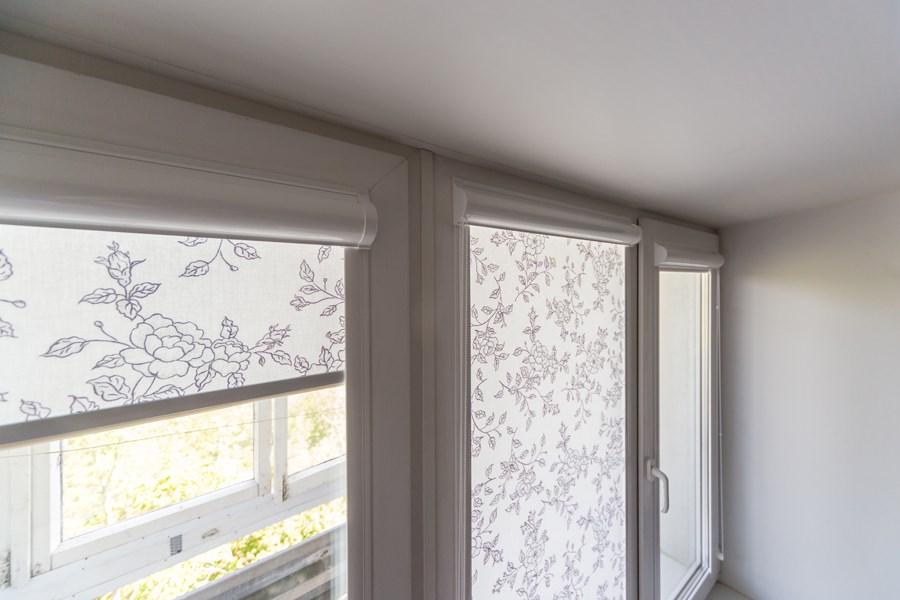 Кассетные шторы с растительным принтом на полотне