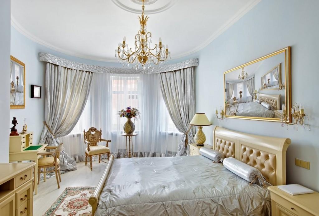 Интерьер спальни в стиле классики с эркером