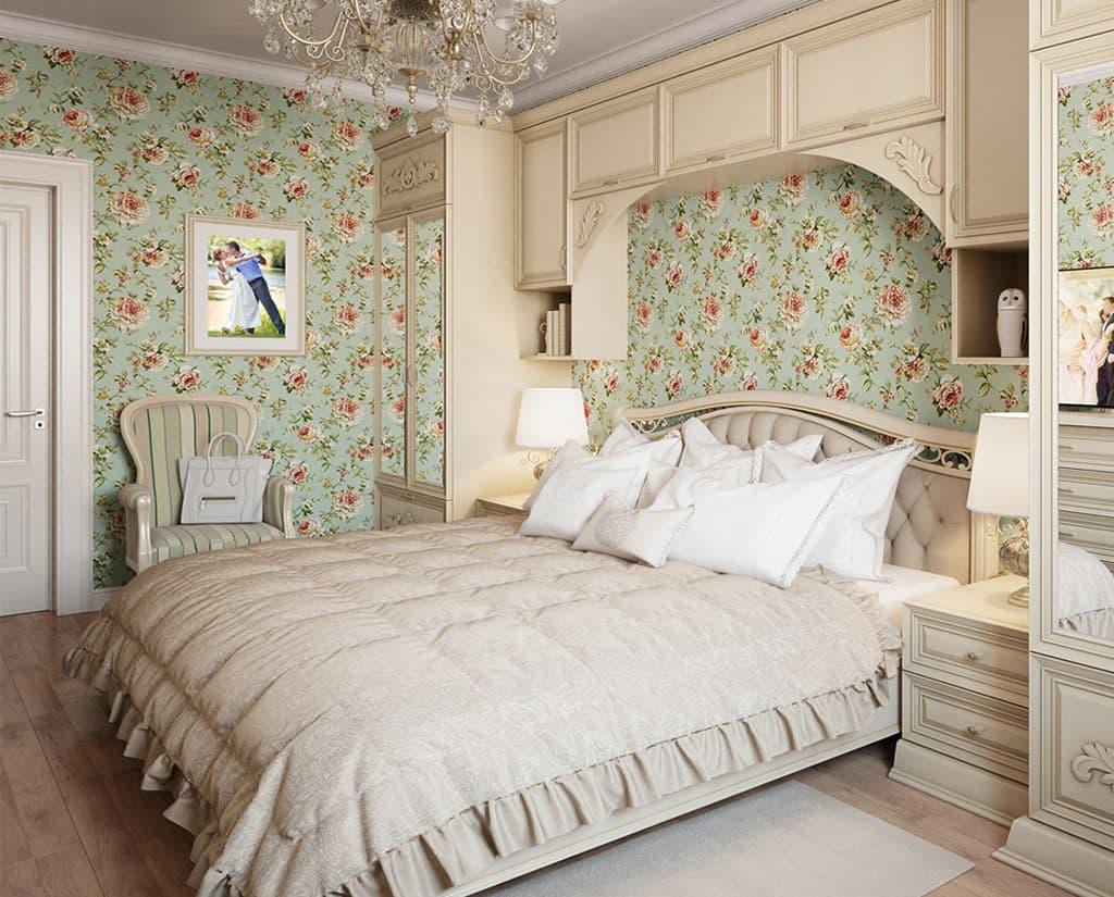 Цветочные обои в спальне трехкомнатной квартиры