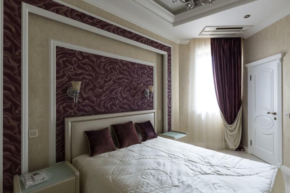 Велюровые шторы на узком окне спальни