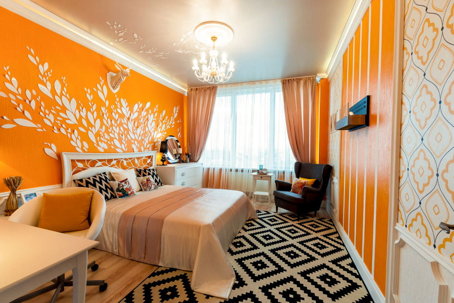 Оранжевые обои в интерьере спальной комнаты