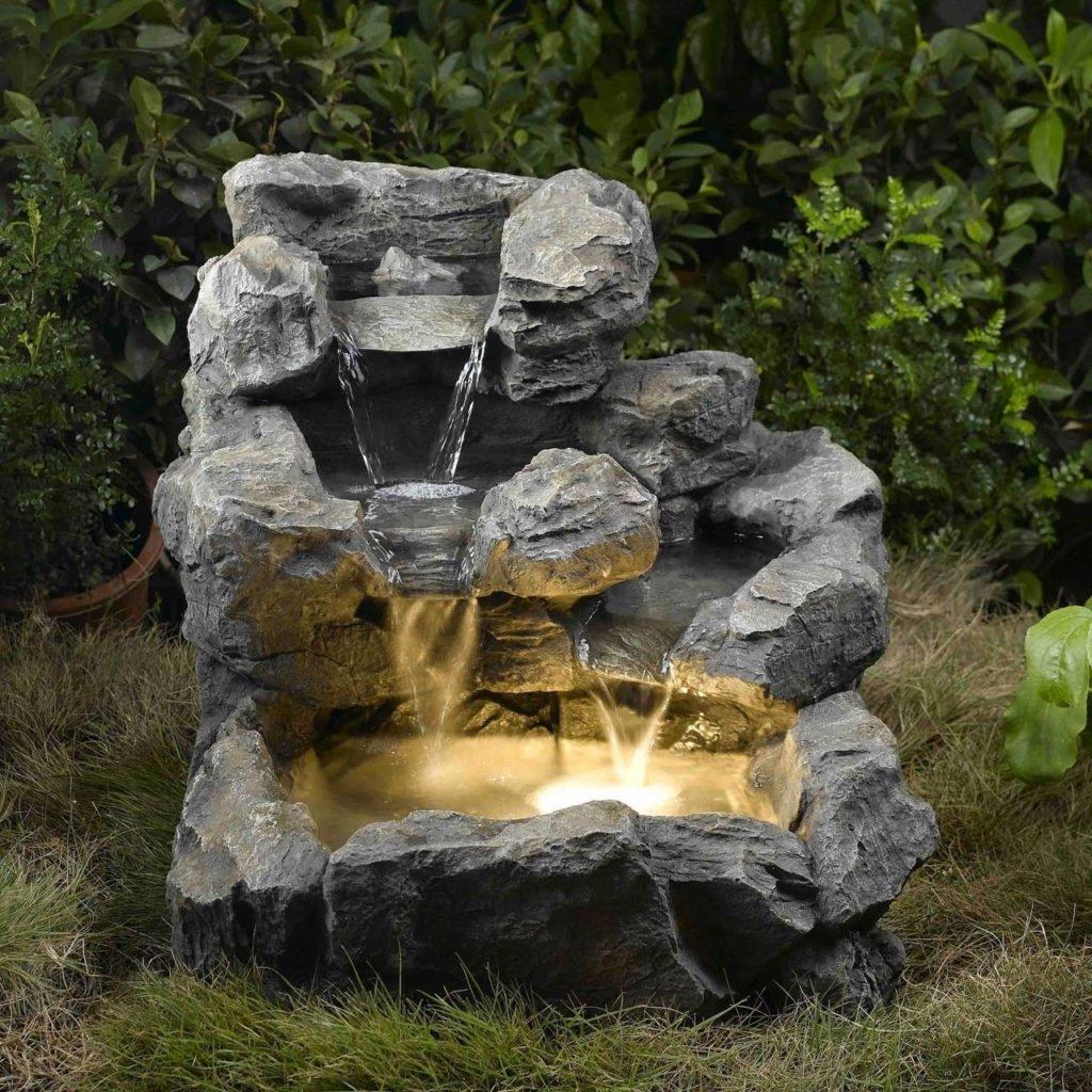 Водопад-остров из полимерного материала