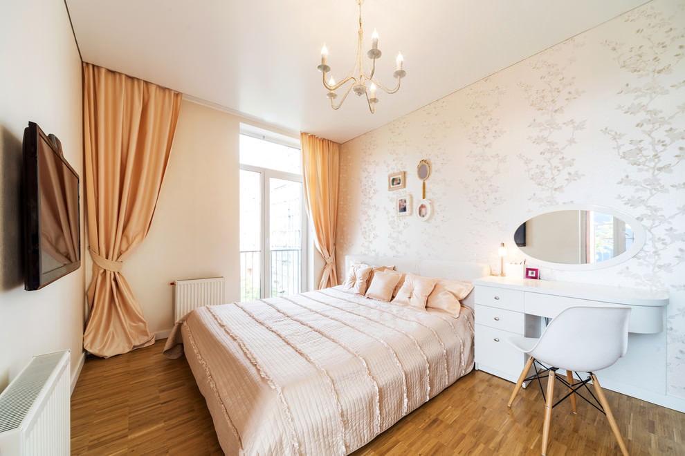 Скрытое крепление штор в спальне с натяжным потолком