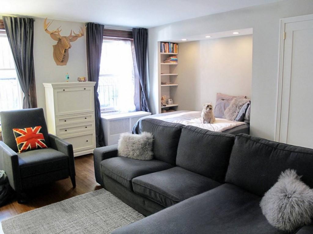 Однокомнатная квартира с мебелью серого цвета