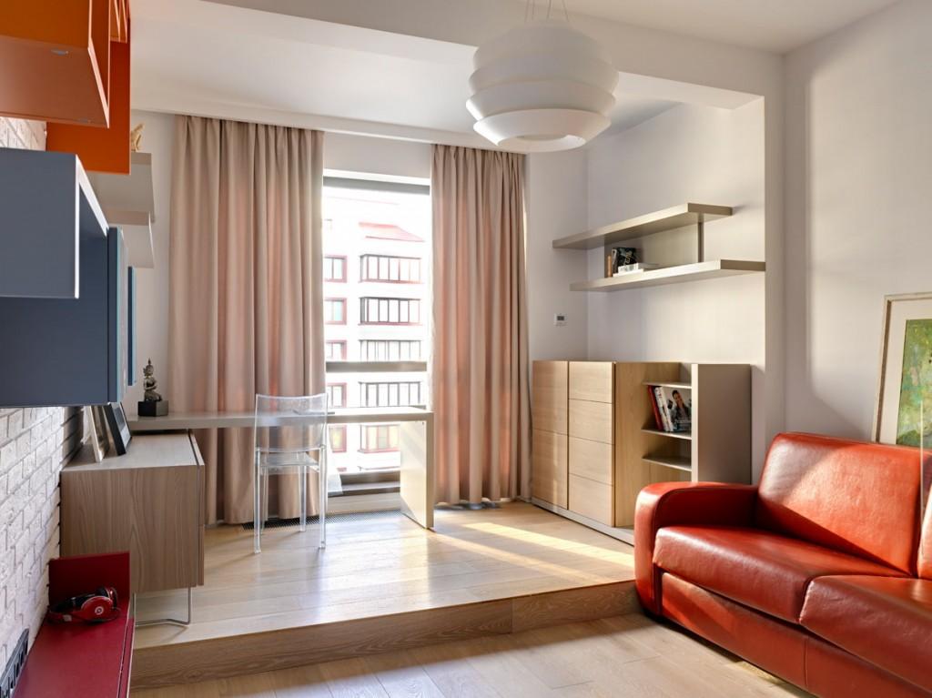 Рабочая зона на подиуме в однокомнатной квартире