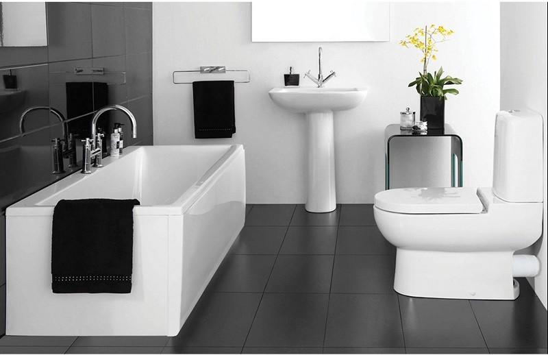 Черно-белая ванная комната крупные детали