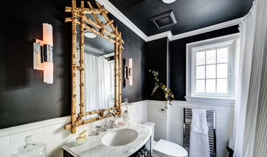 Черно-белая ванная комната с золотым акцентом