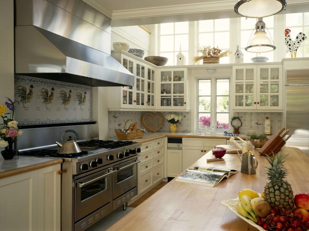 дизайн большой кухни прованс