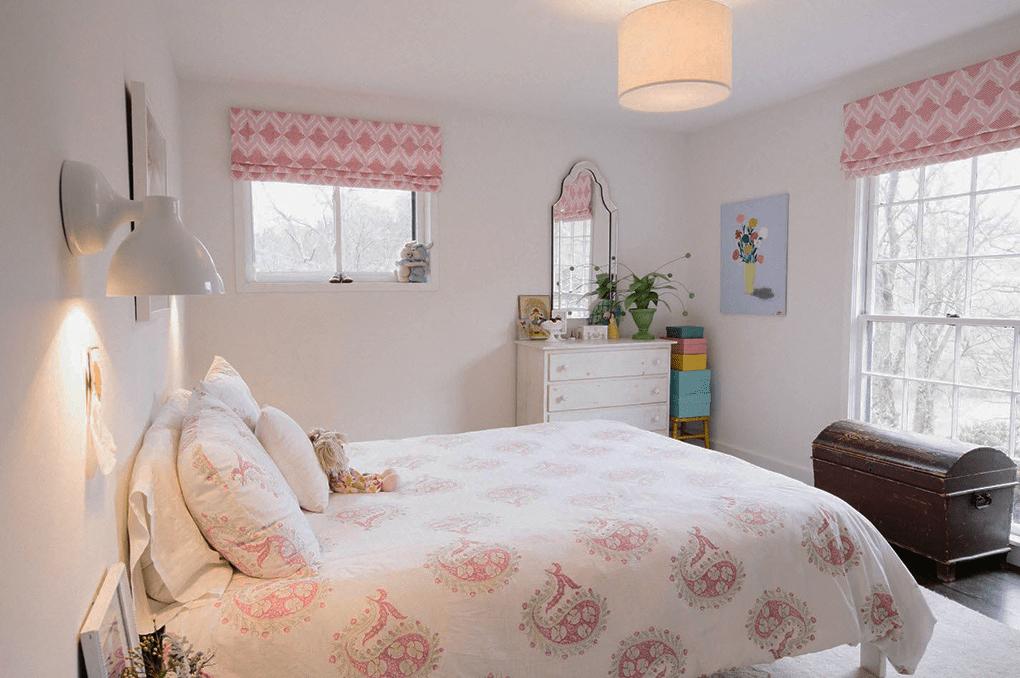 комната для девочки в светлых тонах