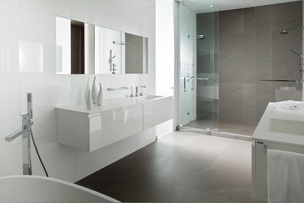 Белая ванная комната минимализм серый