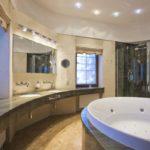 Большая ванная туалетный столик полукругом