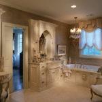 Большая ванная в викторианском стиле