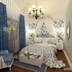 Декор спальни текстиль и обои в полосочку