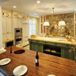 Декоративный камень на кухне в стиле классик арка для вытяжки