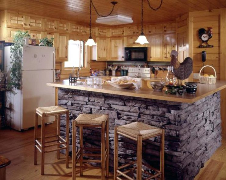 декоративный камень в отделке кухни бар-стойка