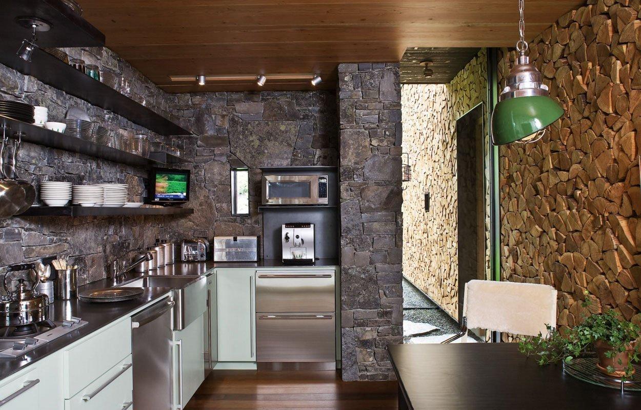 декоративный камень в отделке кухни зонирование