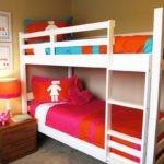 Дизайн детской комнаты для двух разнополых детей царговая двухъярусная кровать