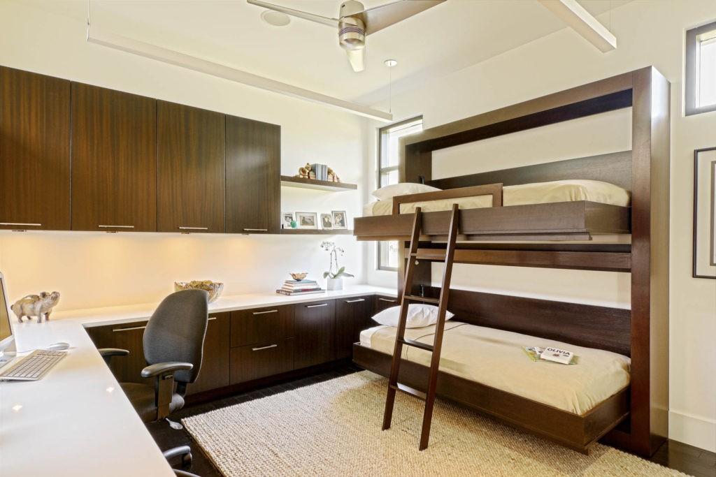 Дизайн детской комнаты для двух разнополых детей мебель-трансформер