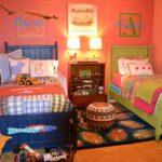 Дизайн детской комнаты для двух разнополых детей с вензелями