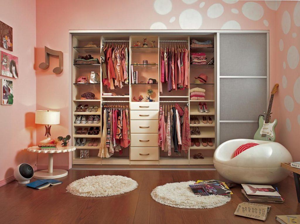 Дизайн детской комнаты для двух разнополых детей встроенный шкаф