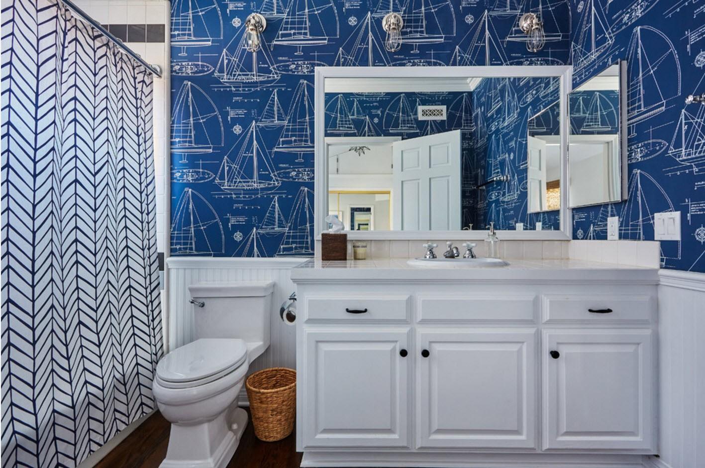 дизайн ванной в сине-белых тонах