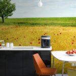 Фотообои в интерьере кухни для создания иллюзии пространства