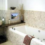 Мозаика в ванной комнате из крупной плитки
