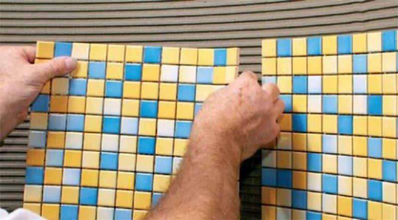 Мозаика в ванной комнате наклеивание плитки