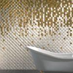 Мозаика в ванной комнате стеклянная янтарно-белая