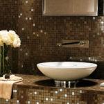 Мозаика в ванной комнате в кофейных тонах