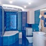 Мозаика в ванной комнате в ультрамариновых тонах