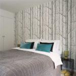 оформление стен в спальне обои на акцентной стене