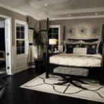 оформление стен в спальне серый тон