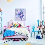 Оформление стен в спальне светло-голубые тона