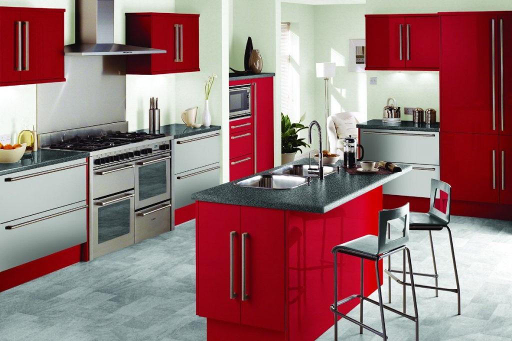 Сочетание цветов интерьер кухни красный и серый