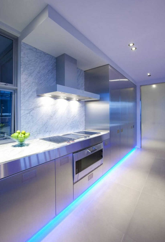 Современная кухня нежно-лиловый оттенок
