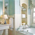ванная комната с окном дизайн идеи