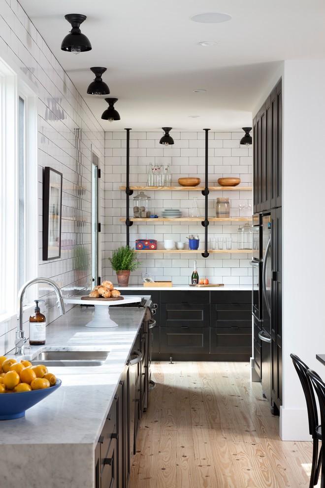 дизайн узкой кухни идеи фото