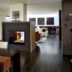 дизайн гостиной кухни 18 м2 с камином