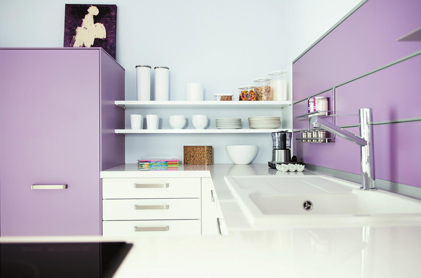 Кухня фиолетового оттенка