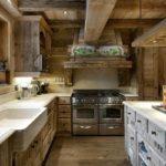 Дизайн кухни в частном доме в рустикальном стиле