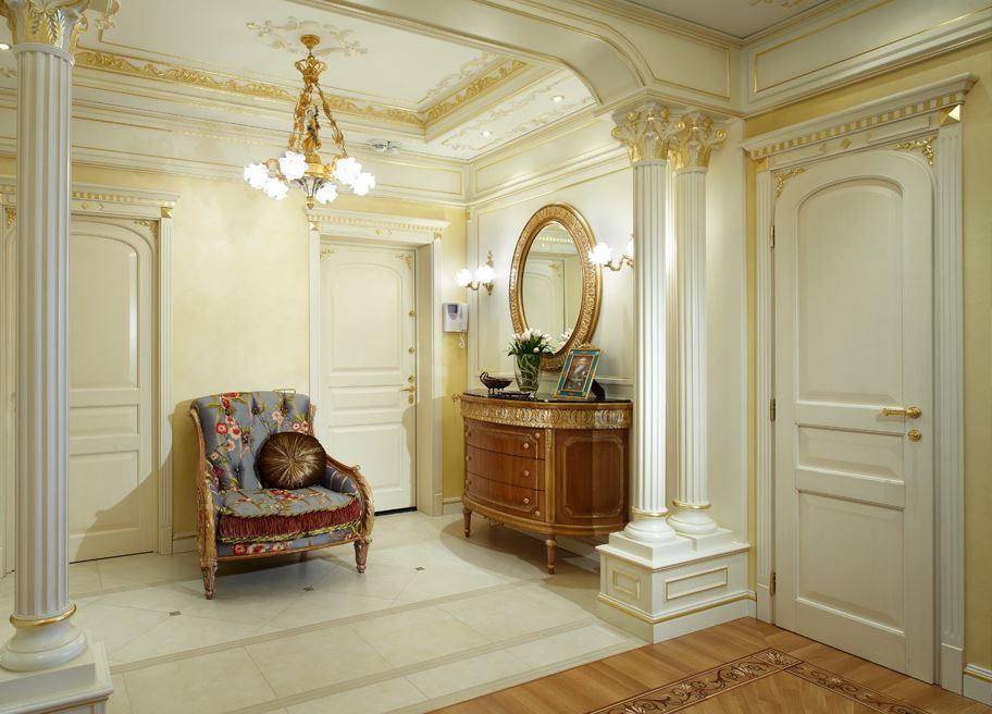 классический дизайн холла в квартире
