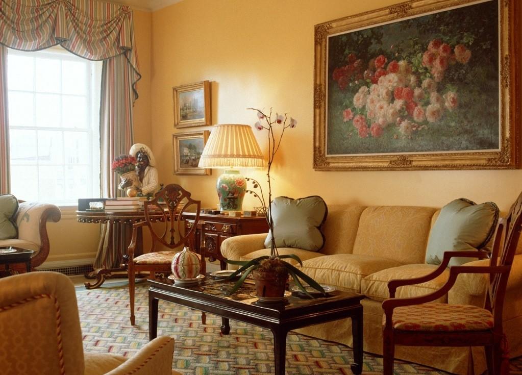 Картины в интерьере гостиной аутентичность