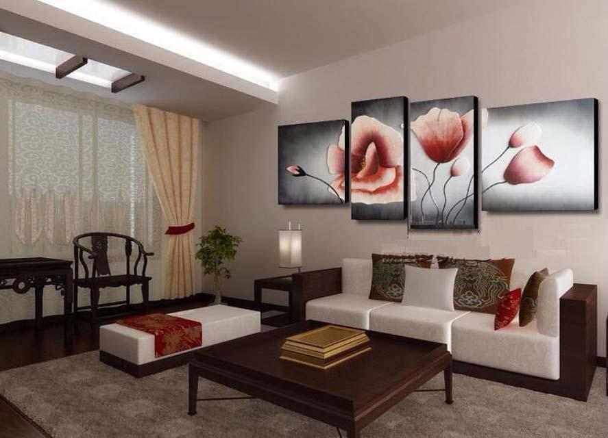 Картины в интерьере гостиной больше простора