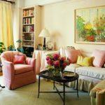 Картины в интерьере гостиной натюрморт