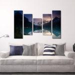 Картины в интерьере гостиной с эффектом перспективы