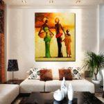 Картины в интерьере гостиной в африканском стиле